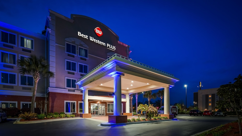 Featured Image, Best Western Plus Airport Inn & Suites