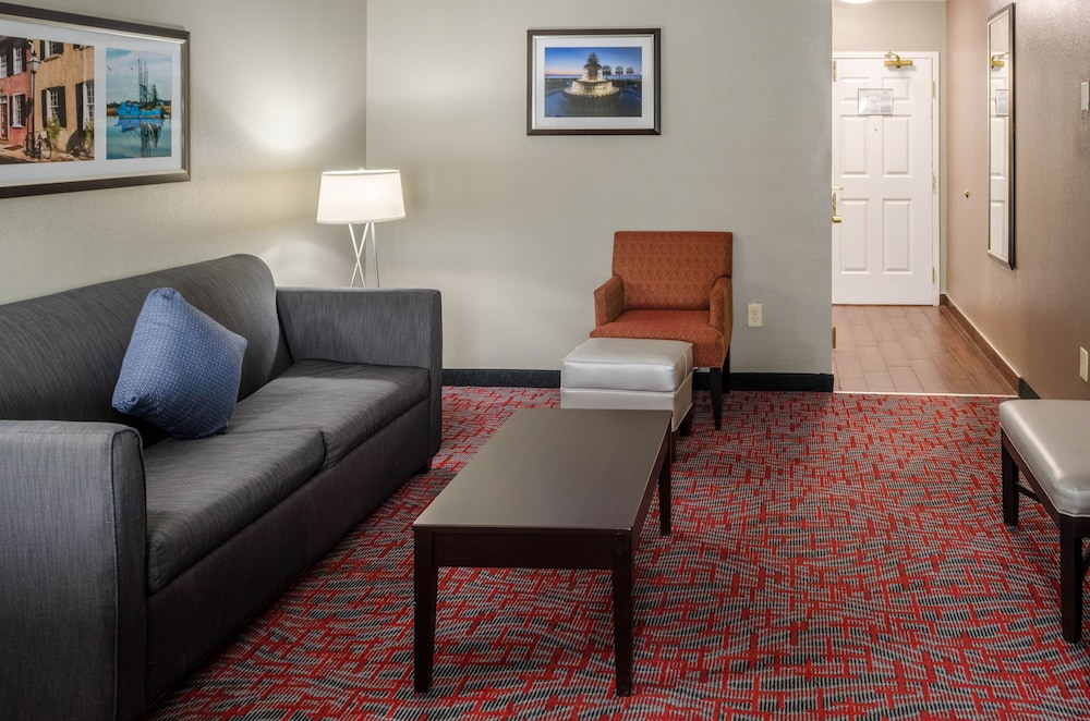 Living Area, Best Western Plus Airport Inn & Suites