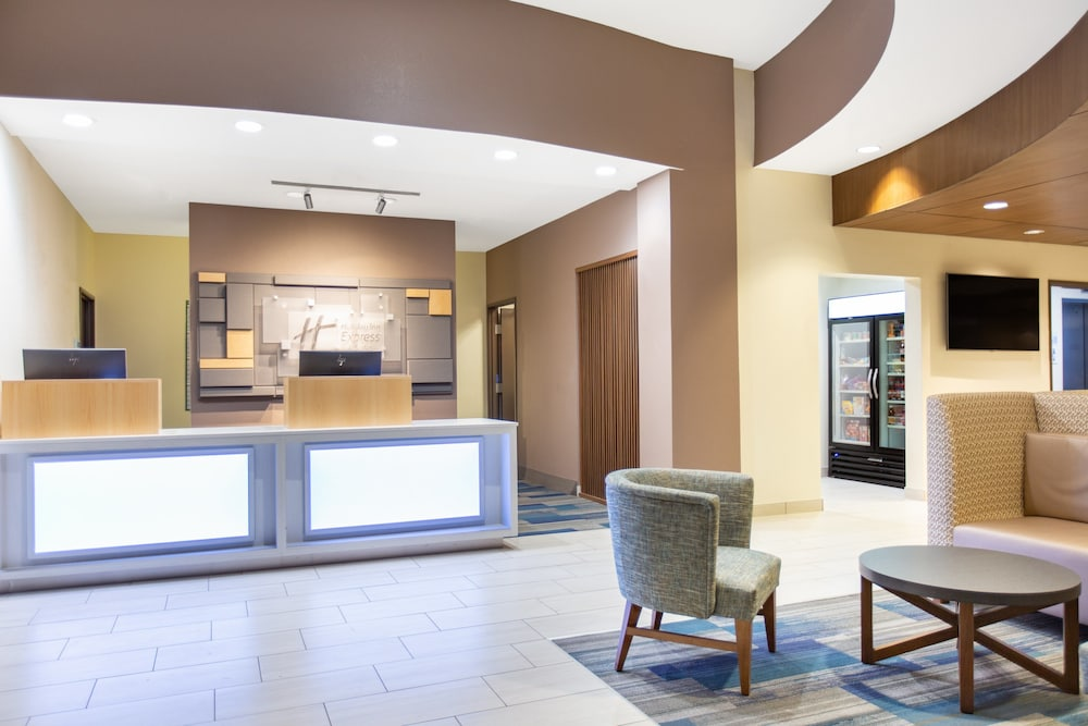 Lobby, Holiday Inn Express Surprise, an IHG Hotel