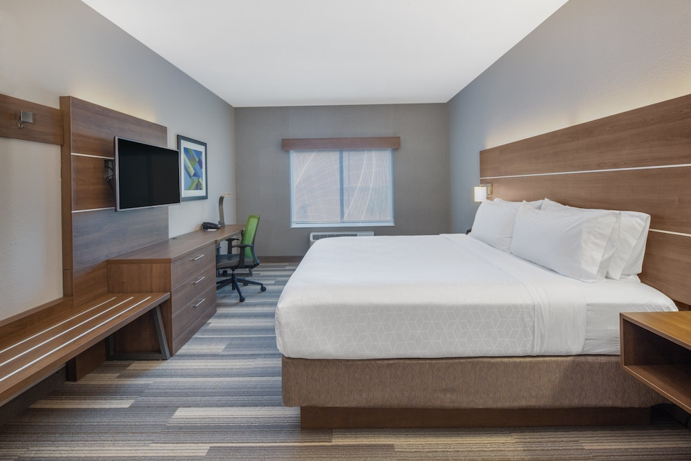 Room, Holiday Inn Express Surprise, an IHG Hotel