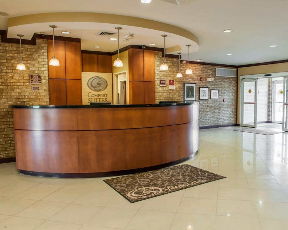 Featured Image, Comfort Suites Southport