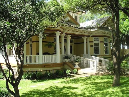 Great Place to stay 1908 Ayres Inn near San Antonio