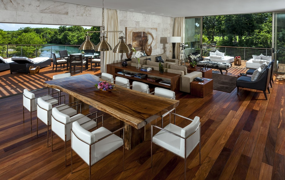 In-Room Dining, Rosewood Mayakoba
