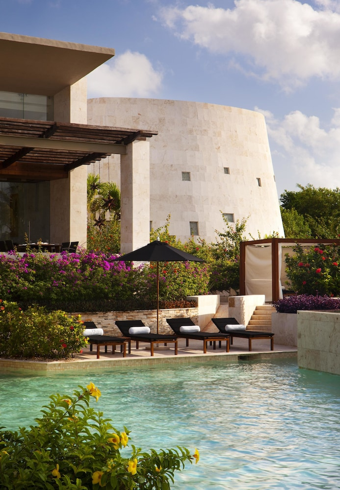 Outdoor Pool, Rosewood Mayakoba