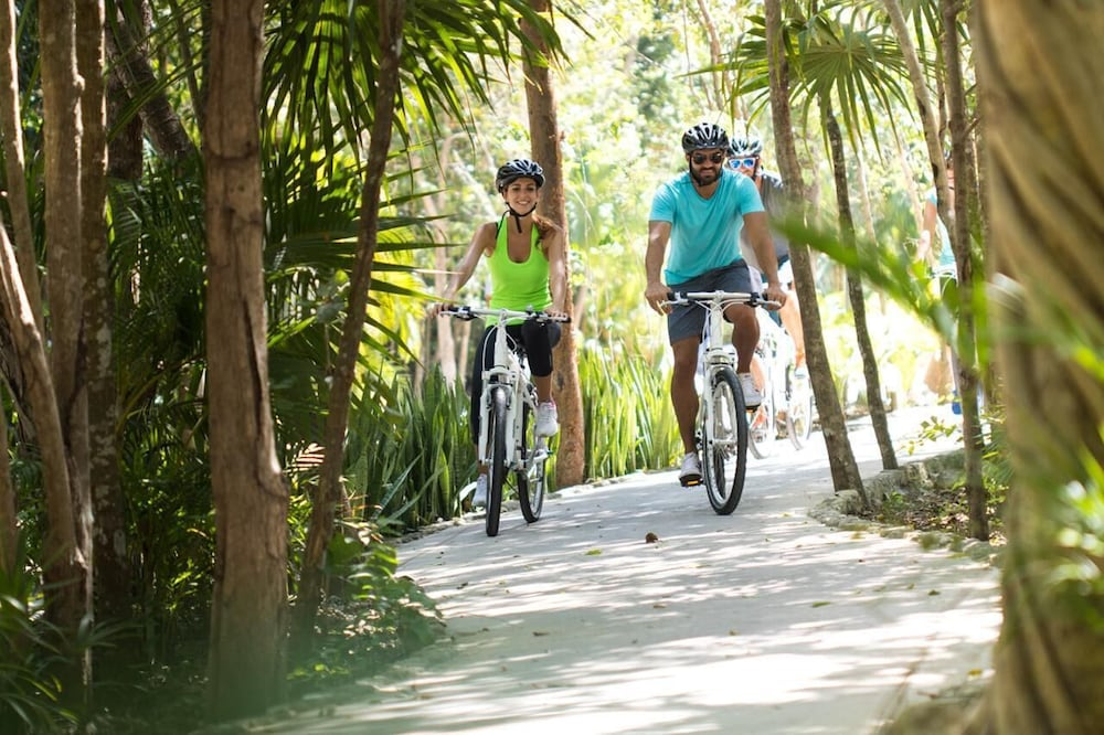 Bicycling, Rosewood Mayakoba