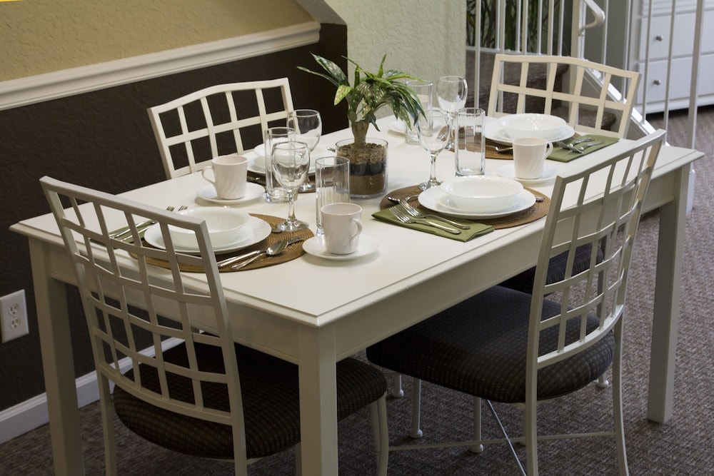 In-Room Dining, Plantation Resort of Myrtle Beach