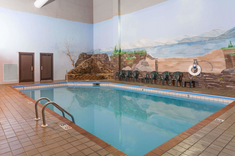 Pool, Baymont by Wyndham Pigeon Forge