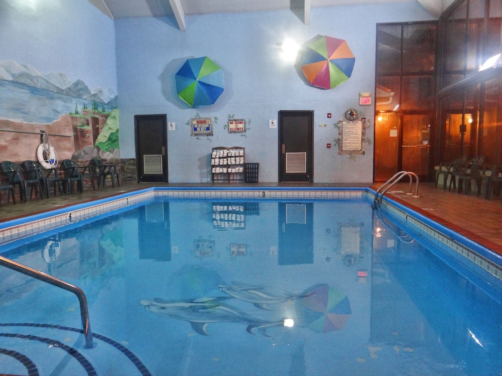 Indoor Pool, Baymont by Wyndham Pigeon Forge