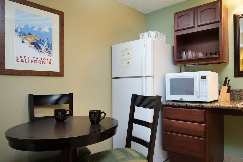Private Kitchenette, Heavenly Inn