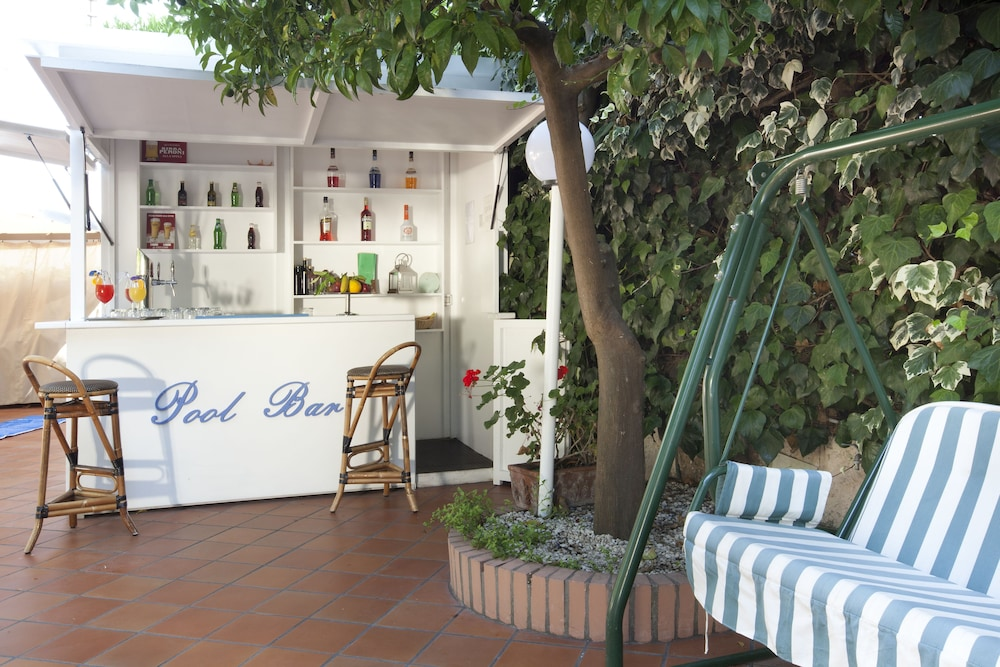 Poolside Bar, Hotel Regina Sorrento