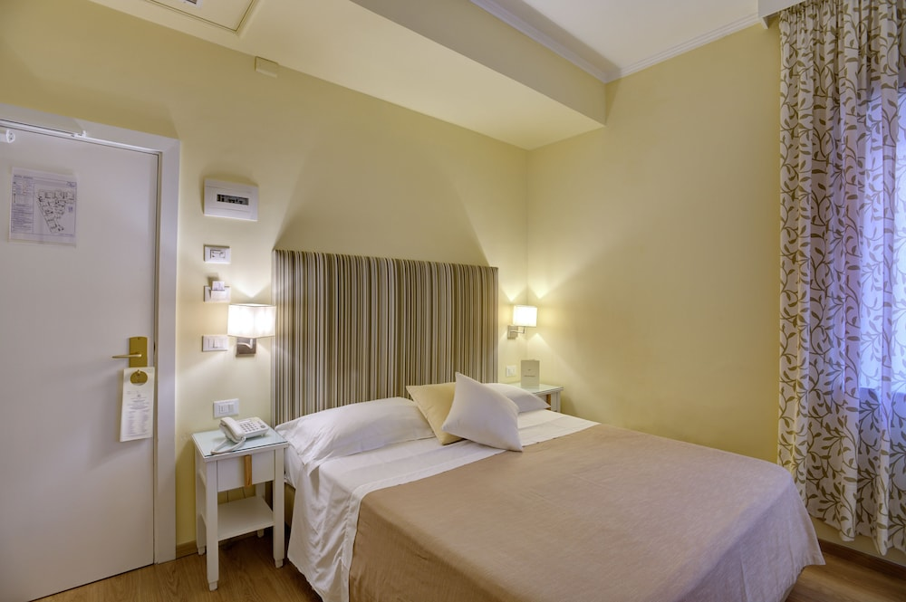 Room, Hotel Regina Sorrento
