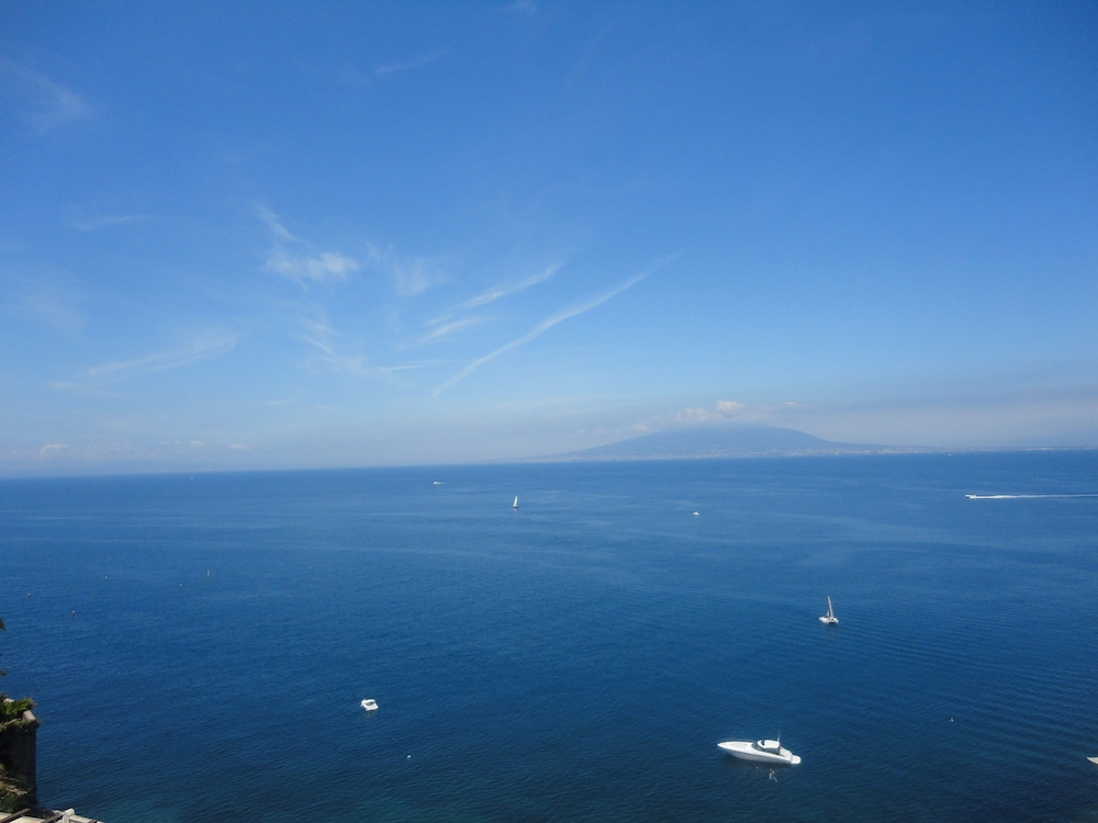 Beach/Ocean View, Hotel Regina Sorrento
