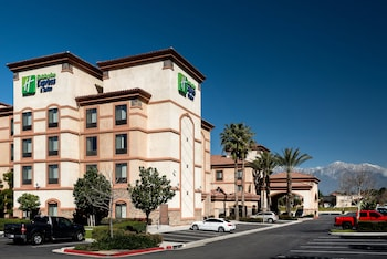 Holiday Inn Express and Suites Ontario Airport