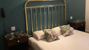 1 Schlafzimmer, Schreibtisch, Verdunkelungsvorhänge