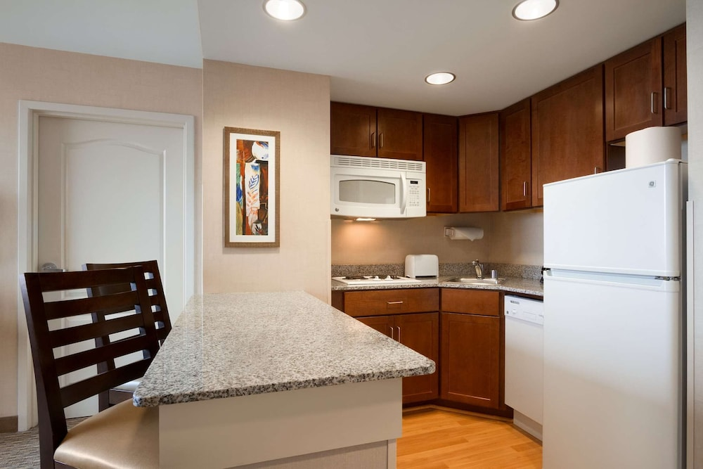 Private Kitchen, Homewood Suites by Hilton Baltimore Inner Harbor