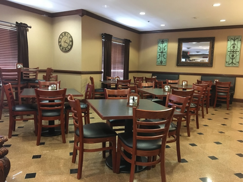 Breakfast Area, Mountain Inn & Suites