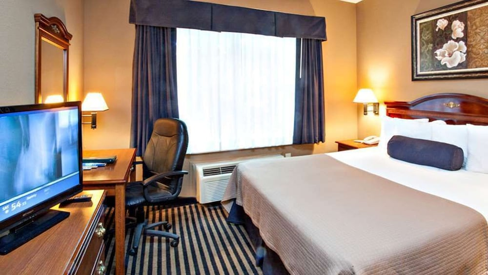 Room, Mountain Inn & Suites