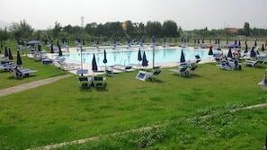 室内游泳池,4 室外游泳池,池畔遮阳伞