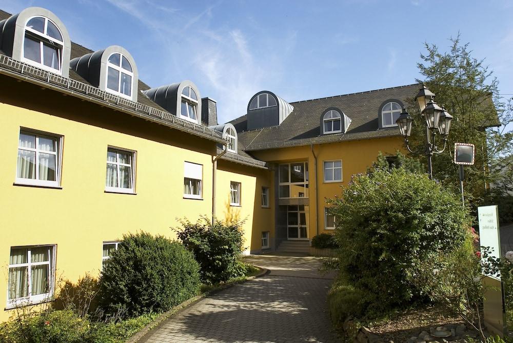 book hotel schloss montabaur montabaur hotel deals. Black Bedroom Furniture Sets. Home Design Ideas