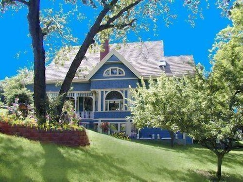 Check Expedia for Availability of Robins Nest Bed & Breakfast