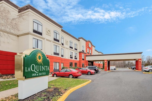 La Quinta Inn & Suites by Wyndham Mt. Laurel - Philadelphia