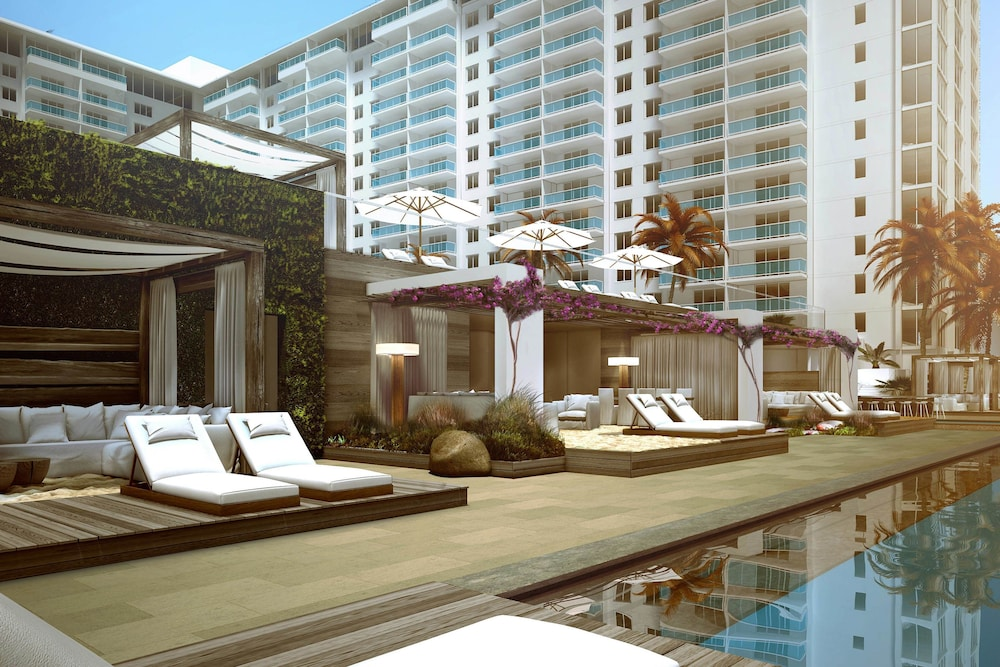 Outdoor Pool, 1 Hotel South Beach