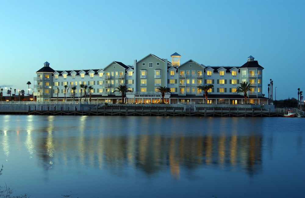 Exterior, The Waterfront Inn