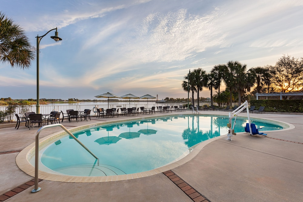 Outdoor Pool, The Waterfront Inn