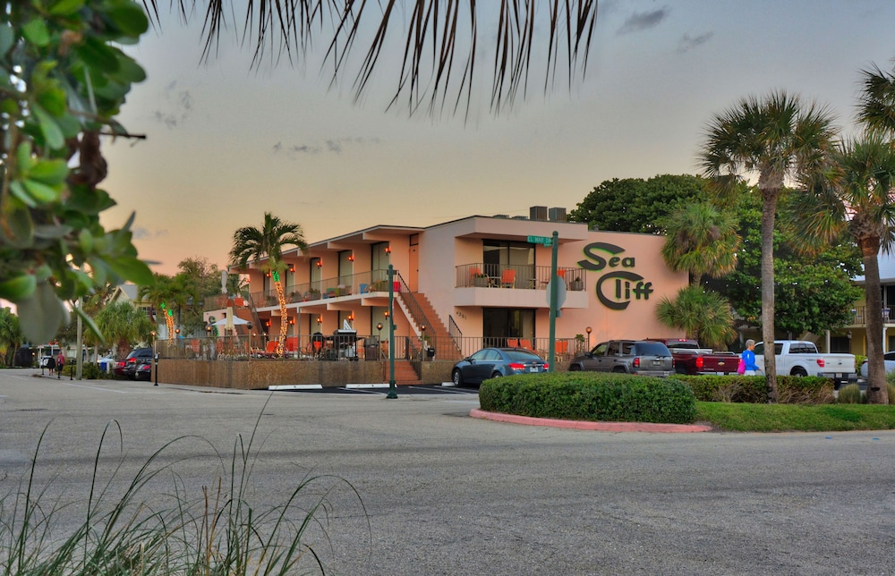 Featured Image, Sea Cliff Motel