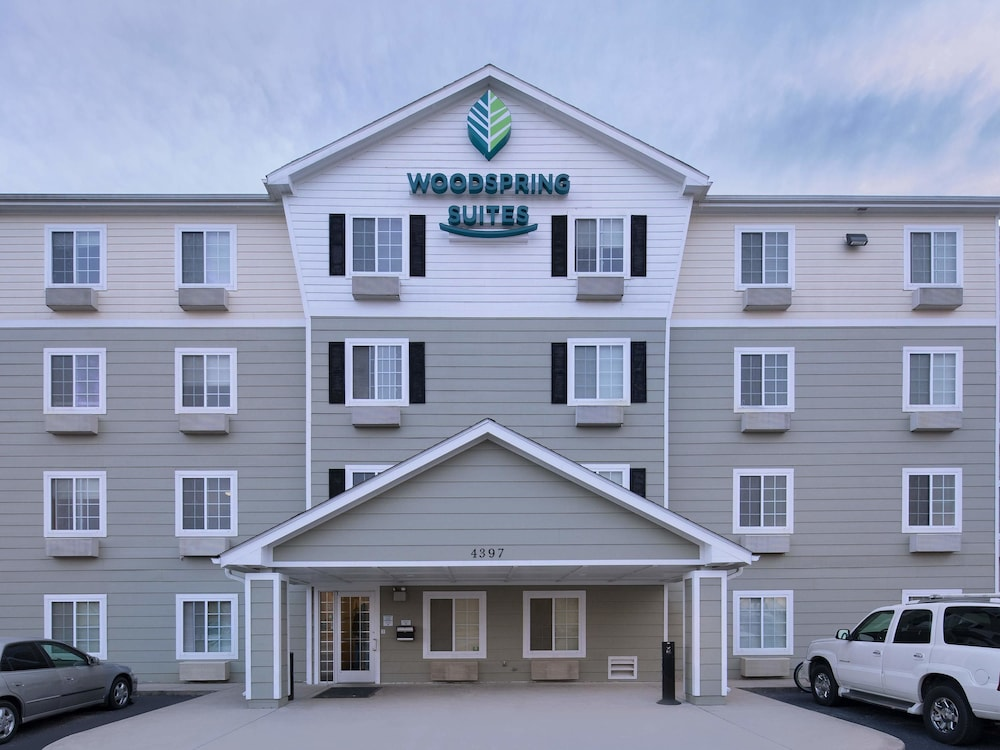 Front of Property, WoodSpring Suites Springdale