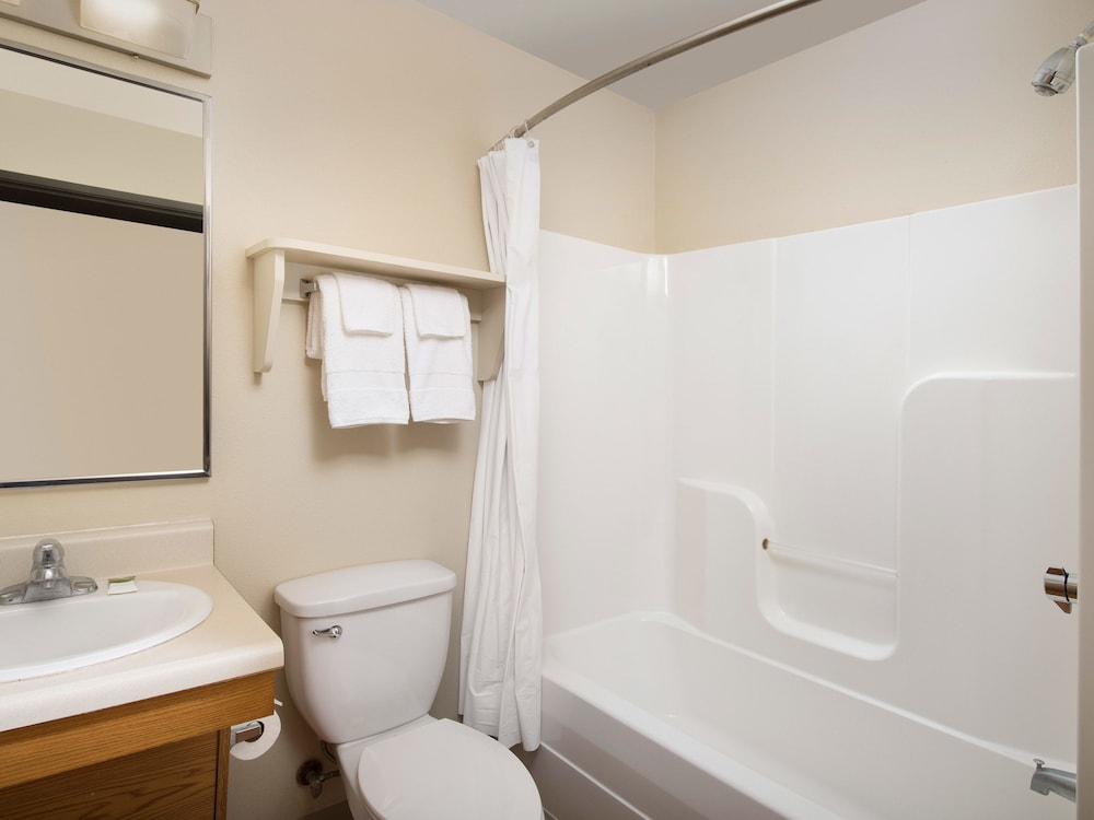 Bathroom, WoodSpring Suites Springdale