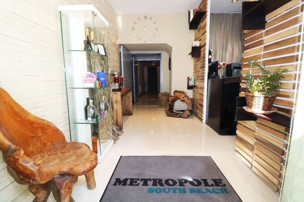 Street View Featured Image Interior Entrance