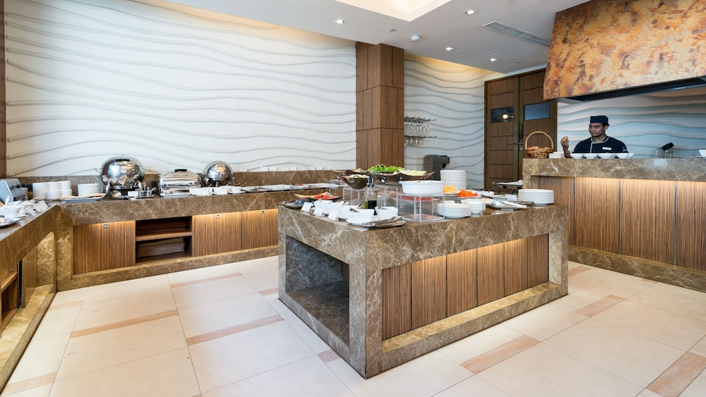 Buffet, Legacy Suites Hotel