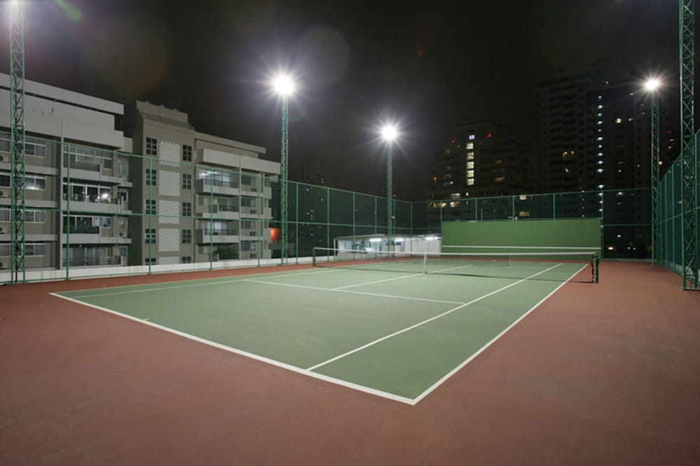 Sport Court, Legacy Suites Hotel