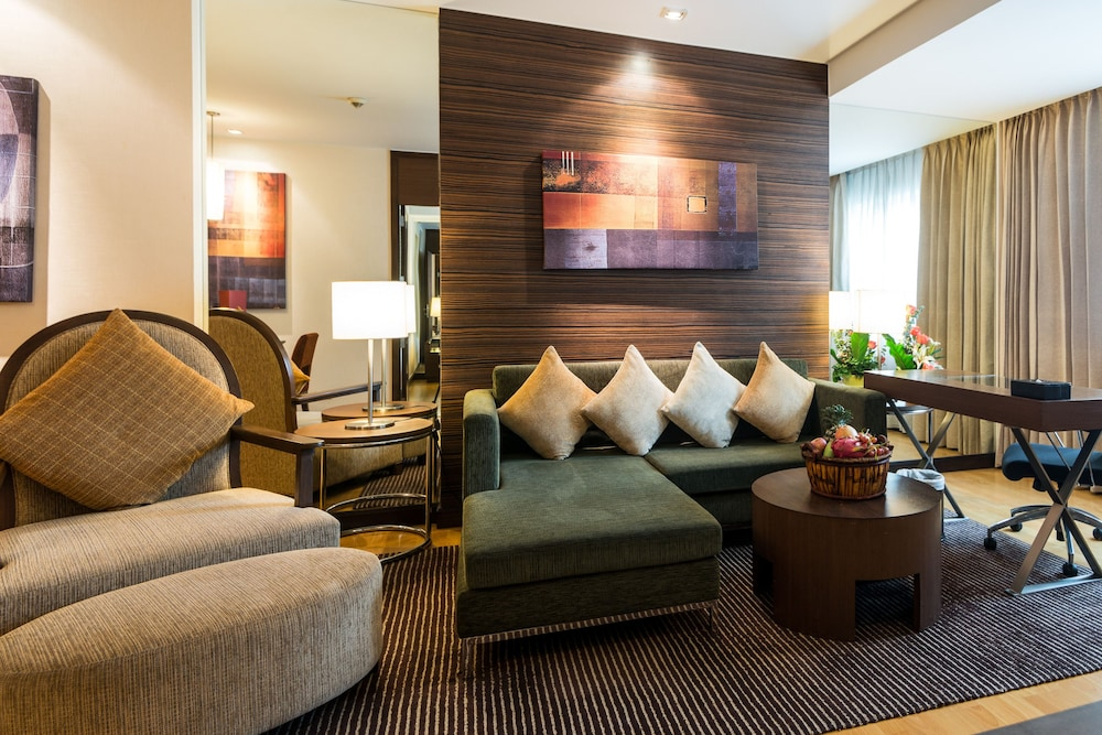 Living Room, Legacy Suites Hotel