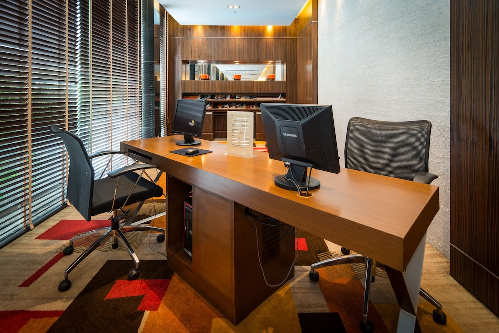 Business Center, Legacy Suites Hotel