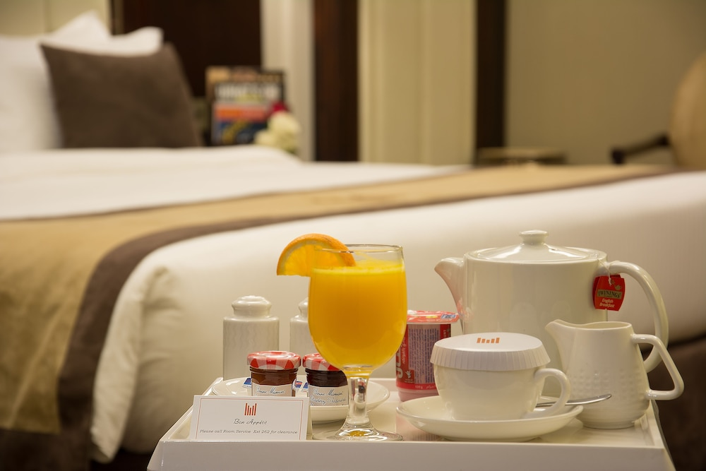 In-Room Dining, Copthorne Hotel Dubai
