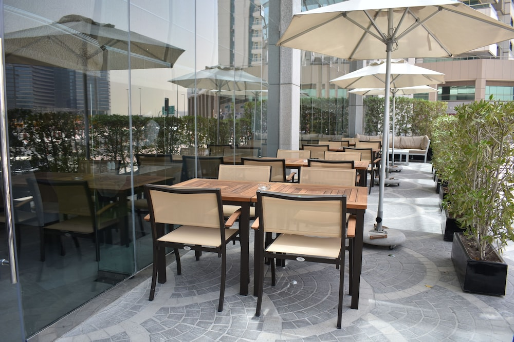 Terrace/Patio, Copthorne Hotel Dubai