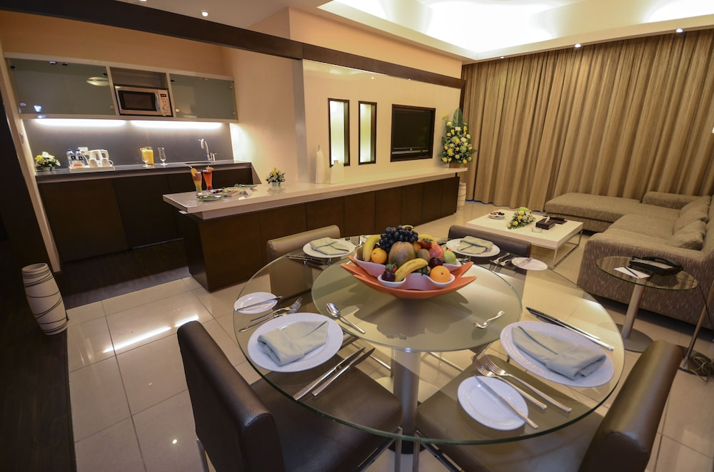 Private Kitchen, Copthorne Hotel Dubai