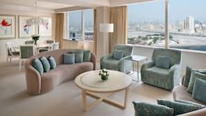Luxe beddengoed, een minibar, een kluis op de kamer, een bureau