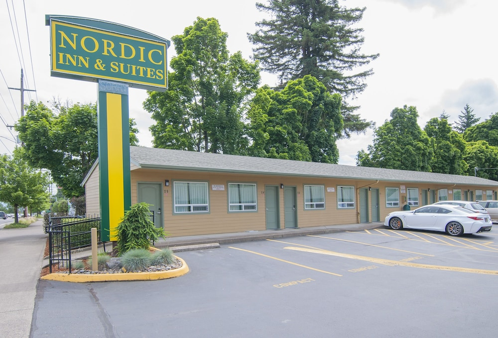 Front of Property, Nordic Inn & Suites