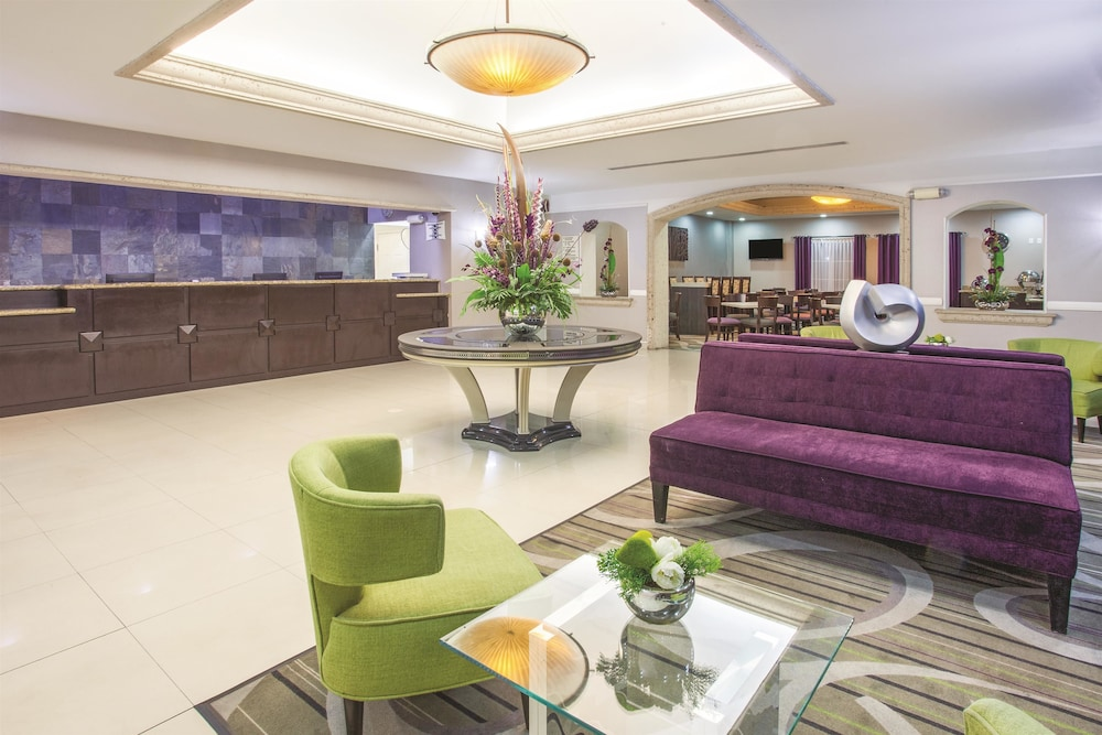 lq hotel by la quinta cd juarez near us consulate 2019. Black Bedroom Furniture Sets. Home Design Ideas