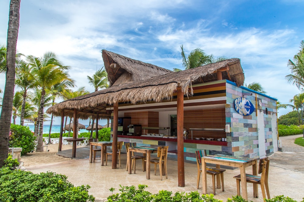 Snack Bar, Sandos Playacar Select Club Adults Only- All inclusive