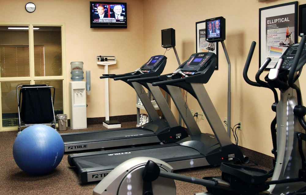 Fitness Facility, Hampton Inn & Suites Seal Beach