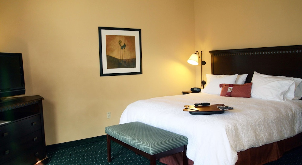 Room Amenity, Hampton Inn & Suites Seal Beach