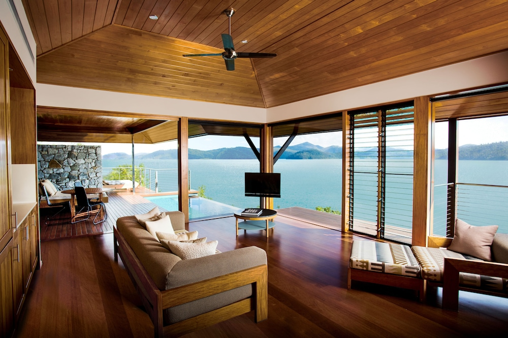Living Area, qualia