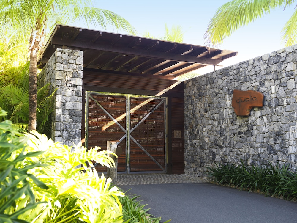 Property Entrance, qualia