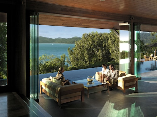 Cheap Hotels in Hamilton Island - Find $221 Hotel Deals