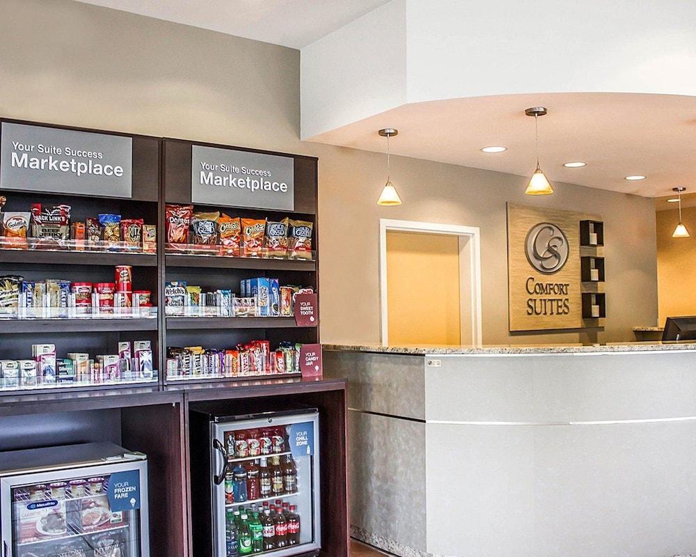 Comfort Suites Southington Cheshire 2018 Room Prices 88 Deals