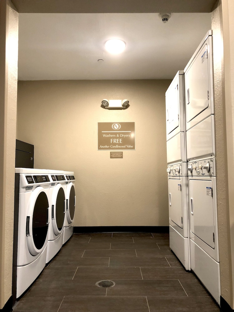 Laundry Room, Candlewood Suites Secaucus - Meadowlands